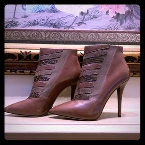 Brian Atwood brown leather wh snakeskin detailing